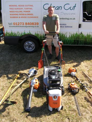 Photo gallery clean cut gardening services for Gardening tools uckfield